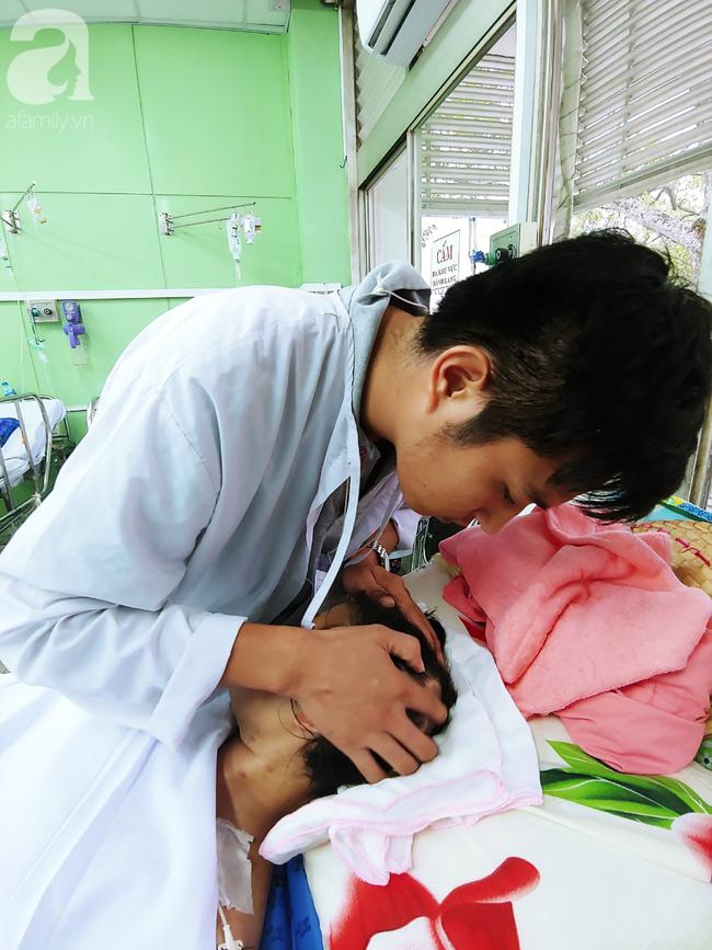 Mẹ mới sinh phải cắt cụt tứ chi sau khi bị áp xe vú: Bác sĩ sản khoa tiết lộ thông tin bất ngờ - Ảnh 8.