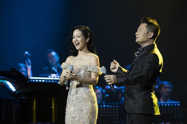 Sau đổ vỡ hôn nhân, Hồng Nhung vẫn đẹp nồng nàn và hát tình ca say đắm thế này - Ảnh 5.
