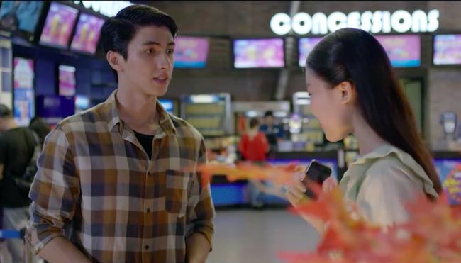 Những cô gái trong thành phố: Cười ngất trước cảnh trai nghèo Bình An đưa bạn gái đi xem phim giảm giá - Ảnh 4.