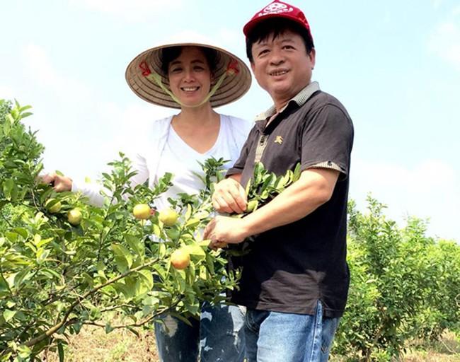 Sát Tết, NSƯT Chiều Xuân thu hoạch cả nghìn quả bưởi ở khu vườn của gia đình - Ảnh 6.