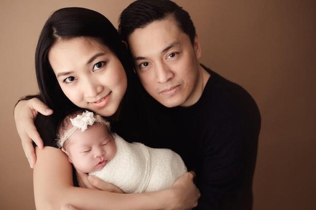 Đâu là lý do khiến 4 năm qua bà xã kém 17 tuổi của Lam Trường không về Việt Nam - Ảnh 1.