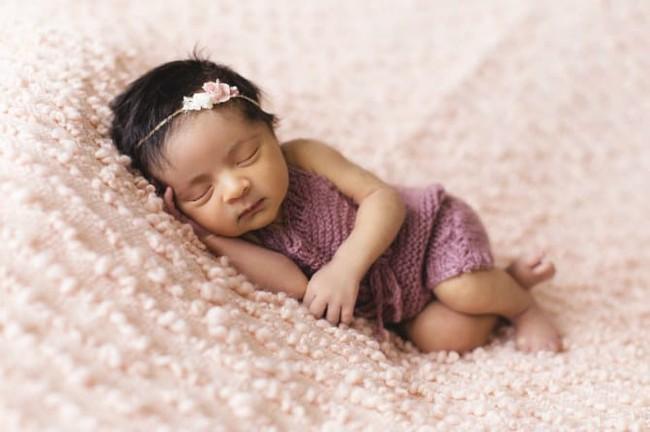 Để tránh tất cả những nguy cơ gây tử vong ở trẻ sơ sinh khi đang ngủ cha mẹ hãy áp dụng ngay cách này - Ảnh 2.