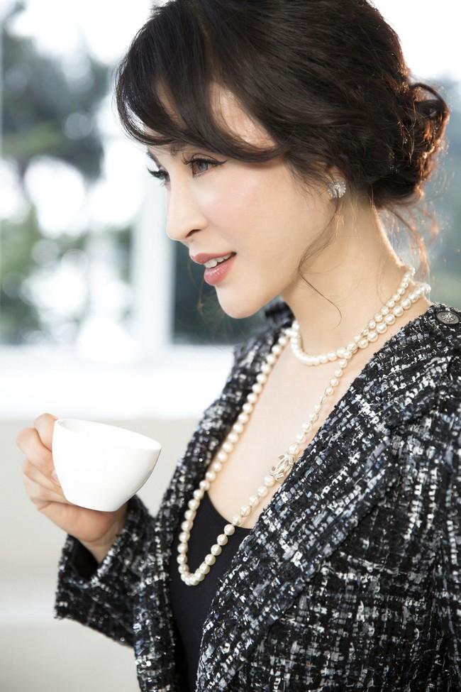 MC Thanh Mai khoe tủ đồ công sở ấn tượng khiến chị em thích mê - Ảnh 6.