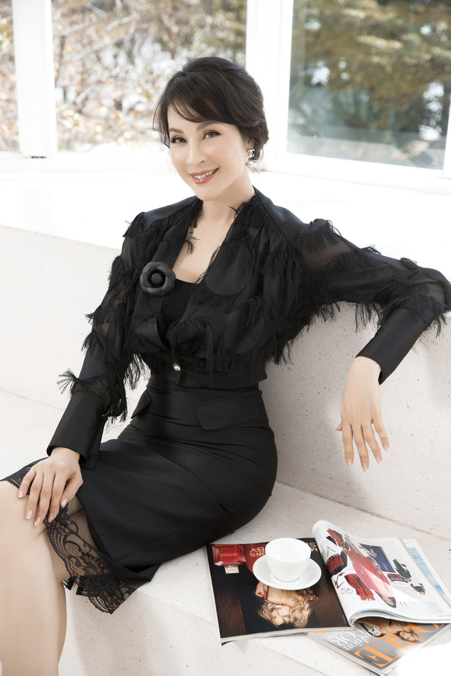 MC Thanh Mai khoe tủ đồ công sở ấn tượng khiến chị em thích mê - Ảnh 10.
