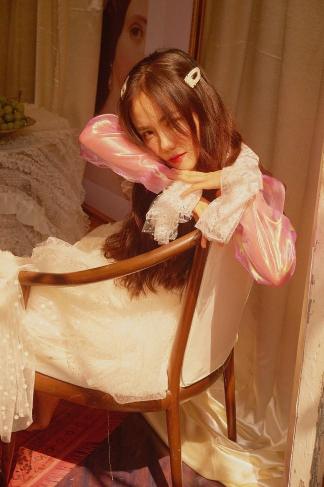 Phương Ly đẹp trong veo trong MV mới, nhưng cái kết mới khiến người xem ngỡ ngàng - Ảnh 10.