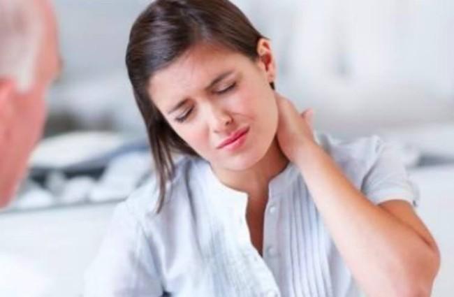 Hóa ra đau lưng không hoàn toàn là do bạn đứng ngồi sai tư thế mà có thể do bạn làm thế này - Ảnh 3.