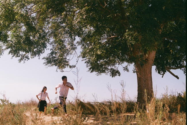 """""""Truyện Ngắn"""" và cú liều của Hà Anh Tuấn: Cuộc dạo chơi của những người trẻ bằng âm nhạc và phim ảnh  - Ảnh 4."""