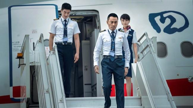 Giữa lùm xùm ly hôn Huỳnh Hiểu Minh, Angela Baby tình tứ cùng đồng nghiệp đã có vợ trong phim mới - Ảnh 2.