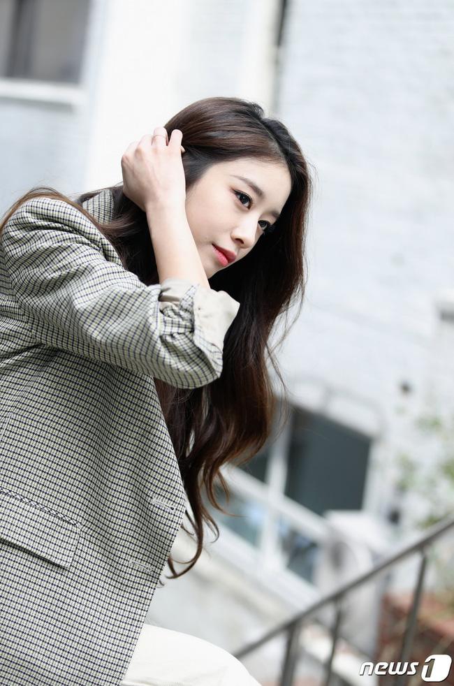 Jiyeon thông báo comeback sau 5 năm nhưng vẫn khiến fan nhói lòng khi nói đến việc tái hợp của T-ARA - Ảnh 2.