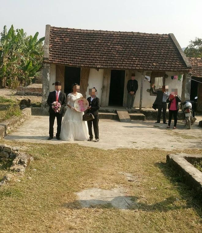 Chị em tranh cãi xôn xao trước hình ảnh đám cưới 4.0: Không loa đài, không cỗ bàn, không làng xóm cũng chẳng có bạn bè - Ảnh 3.