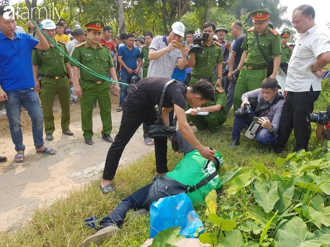 NÓNG: Đang thực nghiệm hiện trường vụ nam sinh 18 tuổi chạy xe ôm công nghệ bị sát hại ở Hà Nội - Ảnh 6.