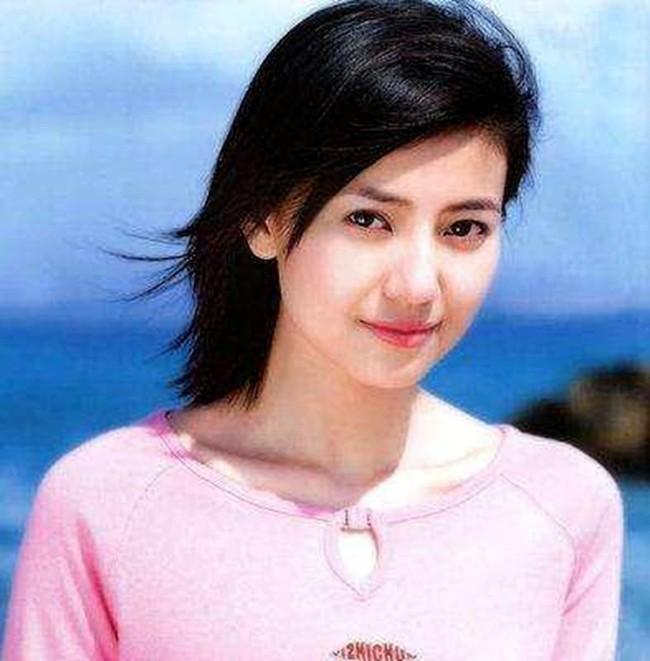 Hình ảnh Dương Mịch, Lưu Diệc Phi và dàn mỹ nhân Cbiz khi ở tuổi 17 - Ảnh 4.