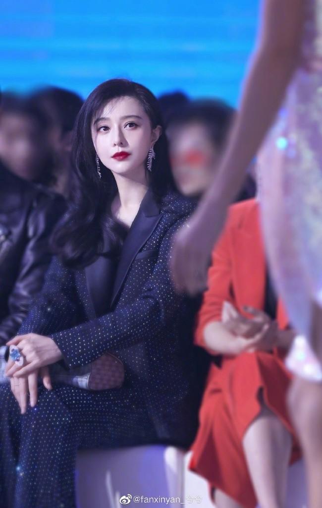 """Dù chỉ là hình chưa qua chỉnh sửa, Phạm Băng Băng vẫn xinh đẹp và đẳng cấp """"ăn đứt"""" cả Hoa hậu Thế giới Trương Tử Lâm - Ảnh 7."""