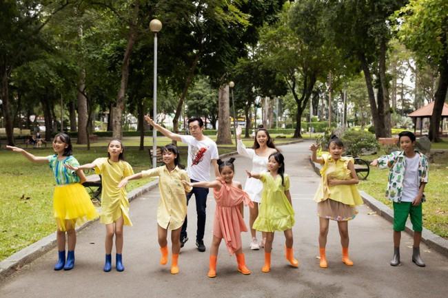 Phạm Quỳnh Anh, Dương Khắc Linh cùng team The Voice Kids thực hiện MV kỷ niệm đầy ý nghĩa - Ảnh 4.