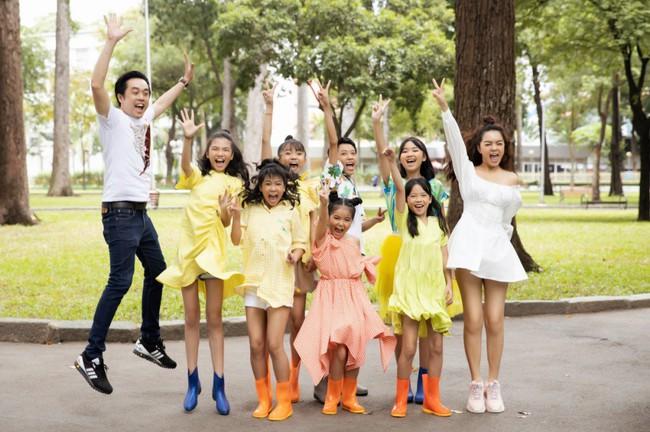 Phạm Quỳnh Anh, Dương Khắc Linh cùng team The Voice Kids thực hiện MV kỷ niệm đầy ý nghĩa - Ảnh 1.