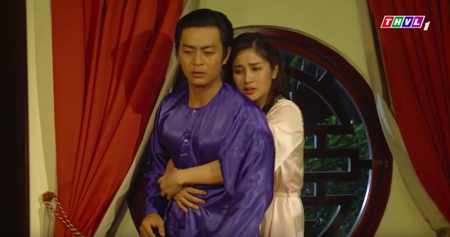 """""""Tiếng sét trong mưa"""": Cảnh 18+ lại xuất hiện, Hạnh Nhi mặc áo ngủ hở ngực, nửa đêm tìm con chồng ép ân ái  - Ảnh 6."""