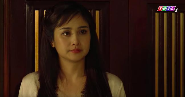 """""""Tiếng sét trong mưa"""": Cảnh 18+ lại xuất hiện, Hạnh Nhi mặc áo ngủ hở ngực, nửa đêm tìm con chồng ép ân ái  - Ảnh 9."""
