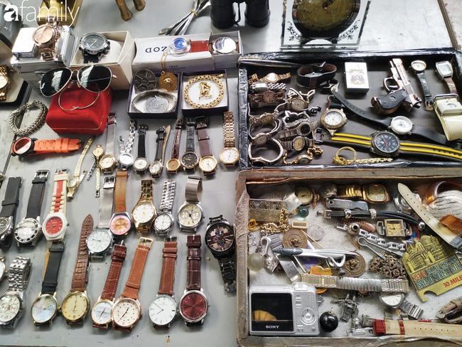 Lạc vào chợ đồ cổ Cao Minh - nơi buôn bán hoài niệm, tìm về hồi ức giữa lòng Sài Gòn - Ảnh 9.