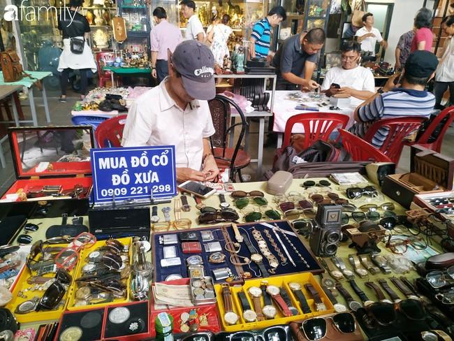 Lạc vào chợ đồ cổ Cao Minh - nơi buôn bán hoài niệm, tìm về hồi ức giữa lòng Sài Gòn - Ảnh 15.