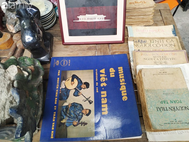 Lạc vào chợ đồ cổ Cao Minh - nơi buôn bán hoài niệm, tìm về hồi ức giữa lòng Sài Gòn - Ảnh 16.