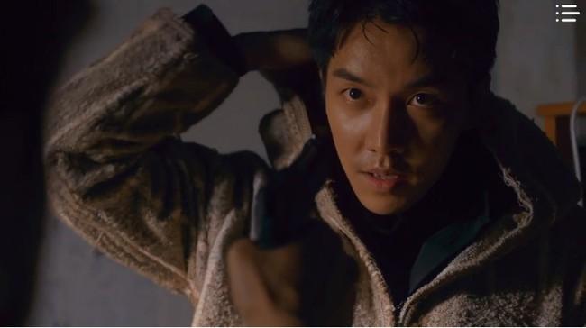 """""""Vagabond"""" tập 7: Bất chấp sự ngăn cản của Suzy, Lee Seung Gi vẫn một mình tìm được tên khủng bố nguy hiểm - Ảnh 12."""