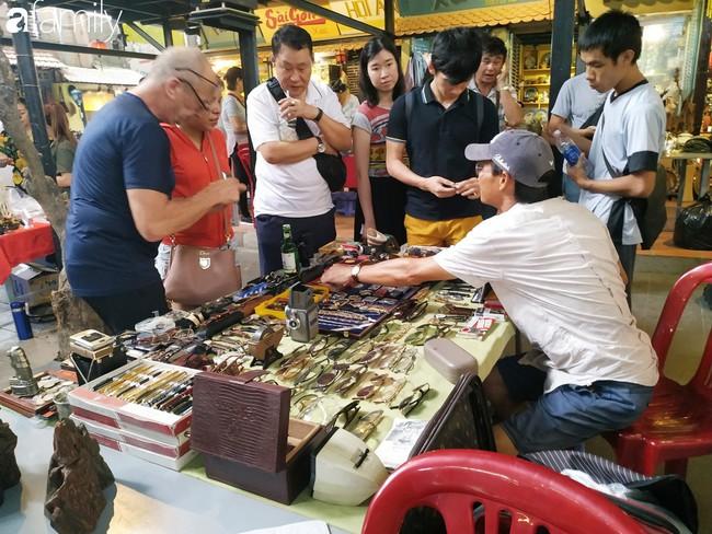Lạc vào chợ đồ cổ Cao Minh - nơi buôn bán hoài niệm, tìm về hồi ức giữa lòng Sài Gòn - Ảnh 18.