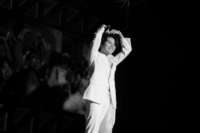 """Thăng hoa trên sân khấu Asia Song Festival, Vũ Cát Tường ghi điểm với fan quốc tế bằng chất giọng """"khủng"""" - Ảnh 4."""