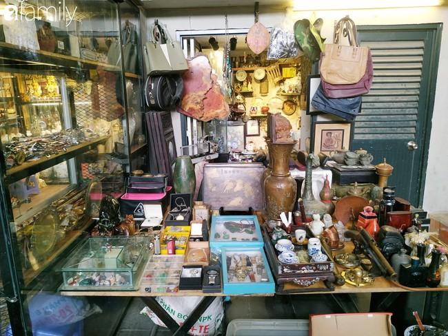 Lạc vào chợ đồ cổ Cao Minh - nơi buôn bán hoài niệm, tìm về hồi ức giữa lòng Sài Gòn - Ảnh 20.