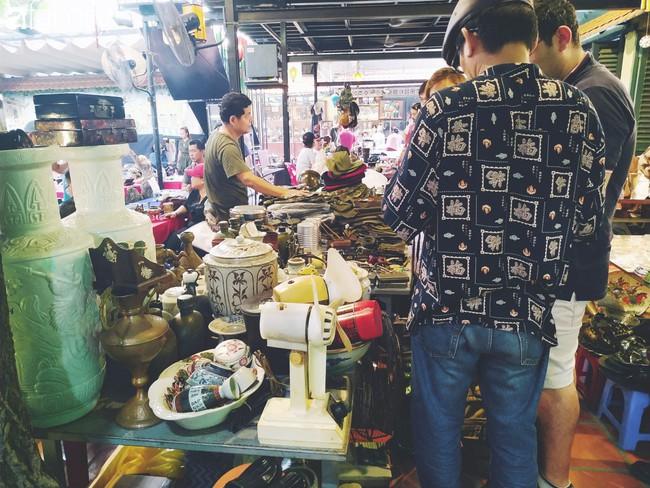 Lạc vào chợ đồ cổ Cao Minh - nơi buôn bán hoài niệm, tìm về hồi ức giữa lòng Sài Gòn - Ảnh 22.