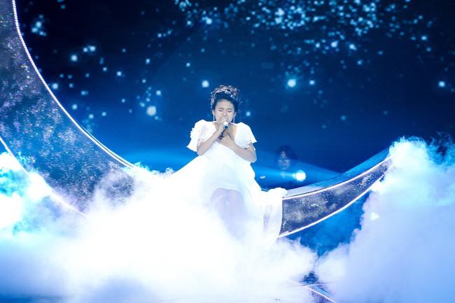 The Voice Kids: Hát nhạc của Lara Fabian, học trò Hương Giang khiến khán giả trầm trồ với màn trình diễn xuất thần - Ảnh 1.