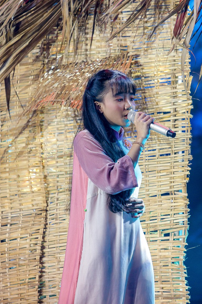 The Voice Kids: Hát nhạc của Lara Fabian, học trò Hương Giang khiến khán giả trầm trồ với màn trình diễn xuất thần - Ảnh 6.
