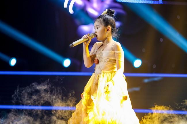 The Voice Kids: Hát nhạc của Lara Fabian, học trò Hương Giang khiến khán giả trầm trồ với màn trình diễn xuất thần - Ảnh 4.