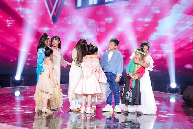 The Voice Kids: Hát nhạc của Lara Fabian, học trò Hương Giang khiến khán giả trầm trồ với màn trình diễn xuất thần - Ảnh 12.