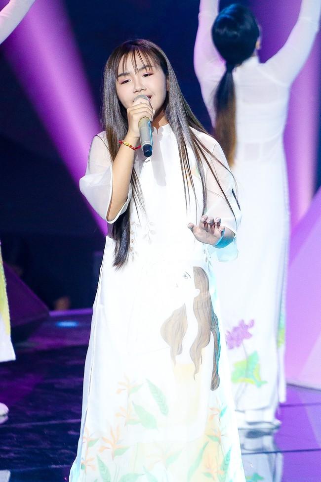 The Voice Kids: Hát nhạc của Lara Fabian, học trò Hương Giang khiến khán giả trầm trồ với màn trình diễn xuất thần - Ảnh 10.