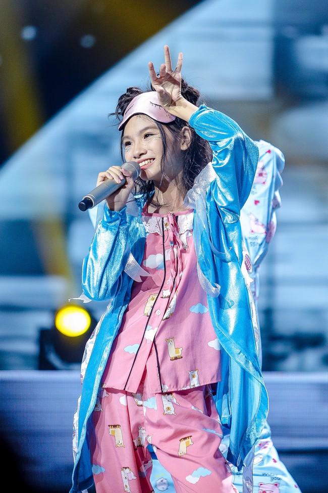 The Voice Kids: Hát nhạc của Lara Fabian, học trò Hương Giang khiến khán giả trầm trồ với màn trình diễn xuất thần - Ảnh 11.