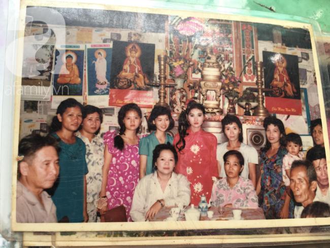 Đám cưới 25 năm trước của cô gái Đồng Tháp: Lấy anh hàng xóm vì được tặng trứng vịt mỗi ngày, thay đến 6 cái váy lộng lẫy - Ảnh 10.