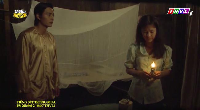 """""""Tiếng sét trong mưa"""": Trọn bộ cảnh con trai Thị Bình ngủ với em gái, còn sốc hơn màn ân ái 18+ cùng mẹ kế - Ảnh 4."""
