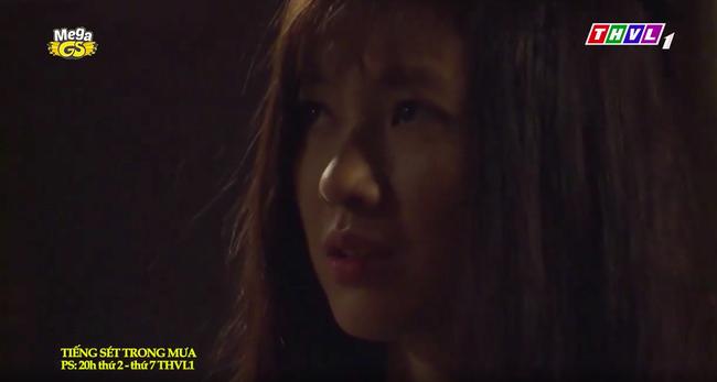 """""""Tiếng sét trong mưa"""": Trọn bộ cảnh con trai Thị Bình ngủ với em gái, còn sốc hơn màn ân ái 18+ cùng mẹ kế - Ảnh 5."""
