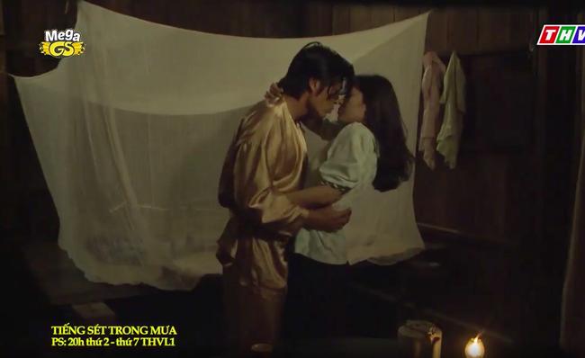 """""""Tiếng sét trong mưa"""": Trọn bộ cảnh con trai Thị Bình ngủ với em gái, còn sốc hơn màn ân ái 18+ cùng mẹ kế"""