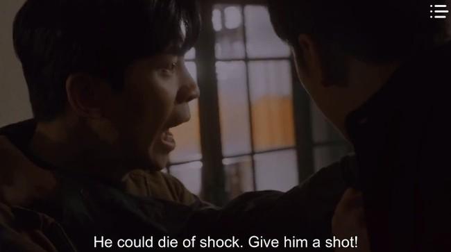"""""""Vagabond"""" tập 8: Lee Seung Gi và Suzy hợp sức cứu kẻ sát nhân, cảnh tự tay phẫu thuật khiến người xem rùng mình - Ảnh 10."""
