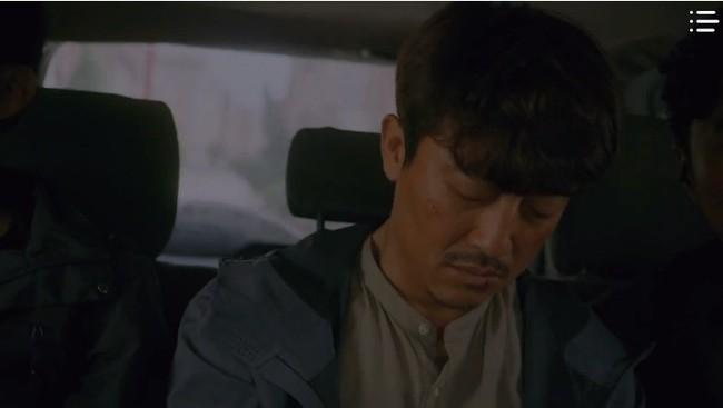 """""""Vagabond"""" tập 8: Lee Seung Gi và Suzy hợp sức cứu kẻ sát nhân, cảnh tự tay phẫu thuật khiến người xem rùng mình - Ảnh 13."""