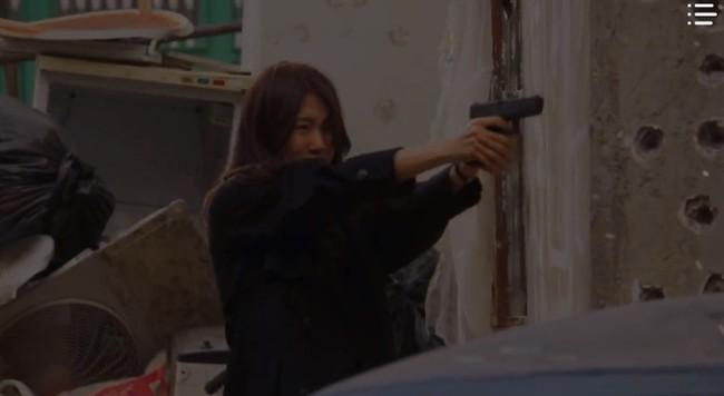 """""""Vagabond"""" tập 8: Lee Seung Gi và Suzy hợp sức cứu kẻ sát nhân, cảnh tự tay phẫu thuật khiến người xem rùng mình - Ảnh 15."""