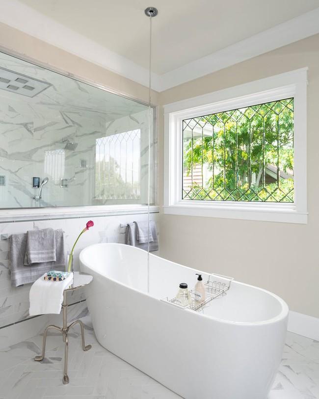 Cùng khám phá những căn phòng tắm nhìn qua khiến ai cũng phải xuýt xoa - Ảnh 4.