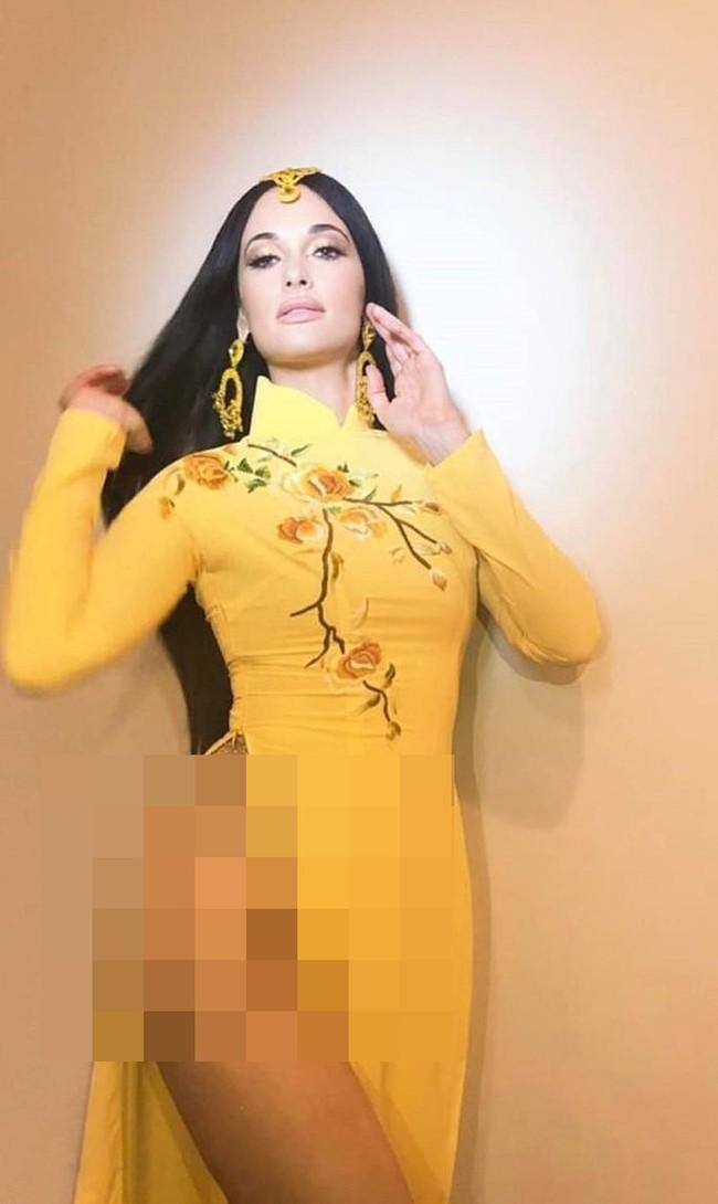 Cùng mặc áo dài Việt, dàn sao nữ ngoại quốc người được tung hô, kẻ bị chỉ trích - Ảnh 1.