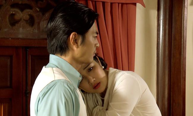 """""""Tiếng sét trong mưa"""": Thanh Bình ngủ với em gái, mẹ kế vẫn lao vào ôm ấp rồi đòi giết cô gái nào lên giường cùng anh - Ảnh 7."""