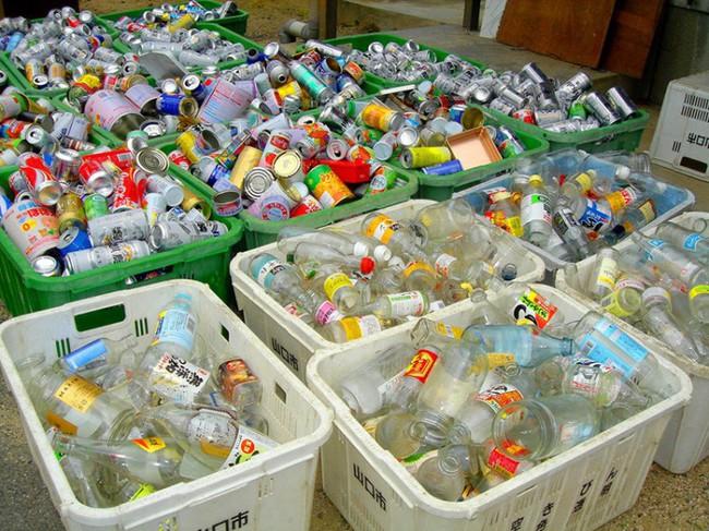 Sửng sốt vì lũ lụt nhưng không có một cọng rác, ít ai biết rằng Nhật Bản là một trong những nơi có lượng rác thải nhựa lớn nhất thế giới - Ảnh 4.