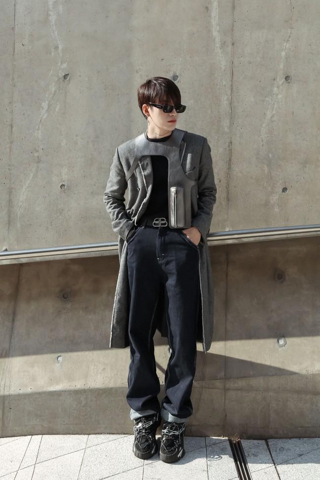 Ca sĩ Ti Ti 'lột xác' xuất sắc, chiếm trọn ống kính truyền thông tại Tuần lễ Thời trang Seoul 2019 - Ảnh 5.