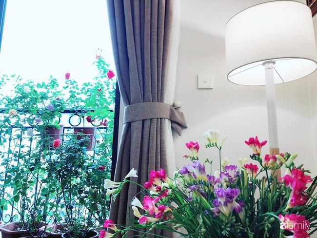 Ngày 20/10 ghé thăm không gian sống quanh năm thơm ngát hương hoa của người phụ nữ Hà Thành - Ảnh 18.