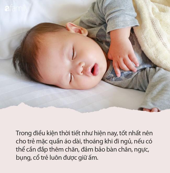 Trời lạnh rồi, các mẹ làm ngay những việc sau đây để giữ con không bị ốm - Ảnh 1.