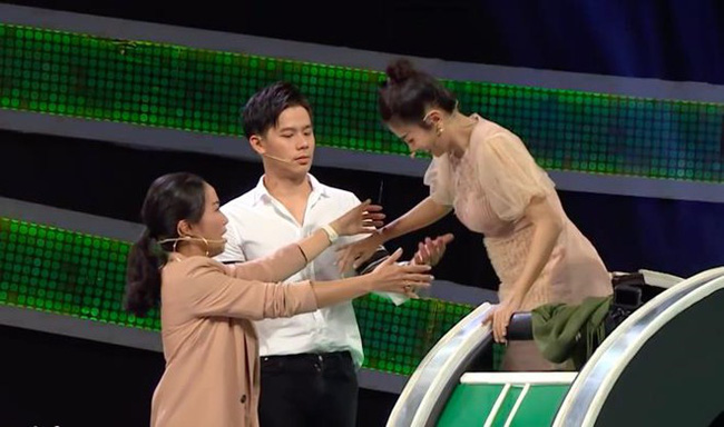 """Ốc Thanh Vân uất ức, tuyên bố không bao giờ chơi gameshow sau khi bị chê làm lố trong """"Nhanh như chớp"""" - Ảnh 1."""